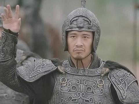 跟马谡一样,此人也被刘备否定过,诸葛亮敢用马谡,却不敢用他