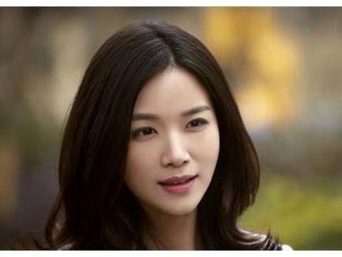 """陈思诚""""宠了""""她三年,转身娶了佟丽娅,如今37岁的她依然单身"""