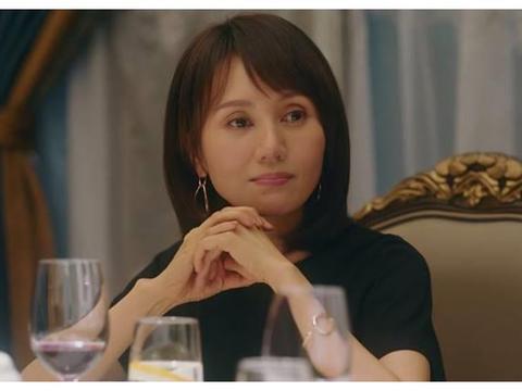 《流金岁月》里袁泉饰演的小姨太可爱了,自信的女人谁不爱!