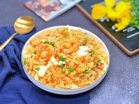 中式炒饭配上西式黄油,传统菜新做法,创意加一点,美味大不同