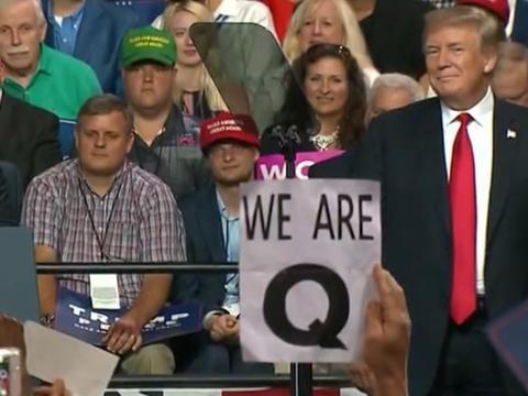 """美国政权交接平稳进行,美国""""匿名者Q""""右翼阴谋论者失望了"""