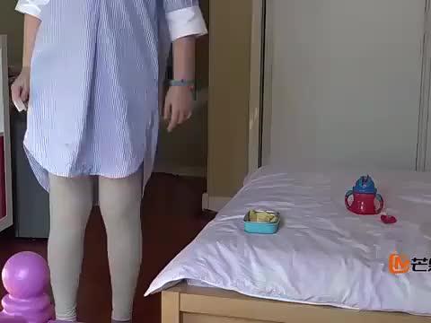 梅婷连玩具都要洗,洗完才让快快玩!