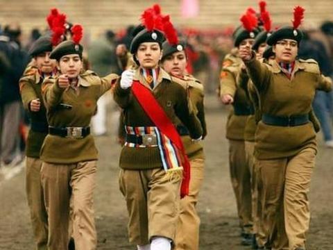 印度女性地位有待提高!海军才解除女兵上舰禁令,陆军仍限制岗位