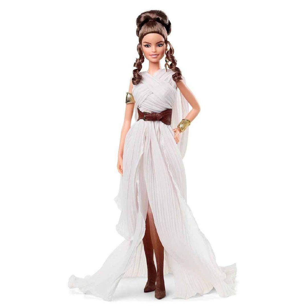 还记得达斯·维达、R2-D2和莱娅公主的款么