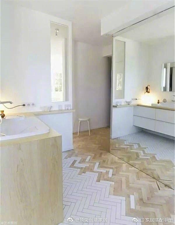 当瓷砖遇上木地板,效果真的很不错。