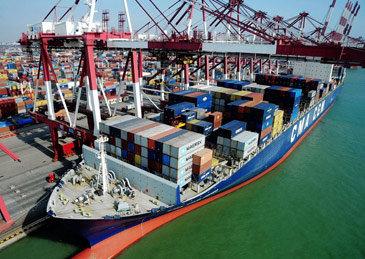 一季度进出口总值同比降6.4%,贸易顺差减80%