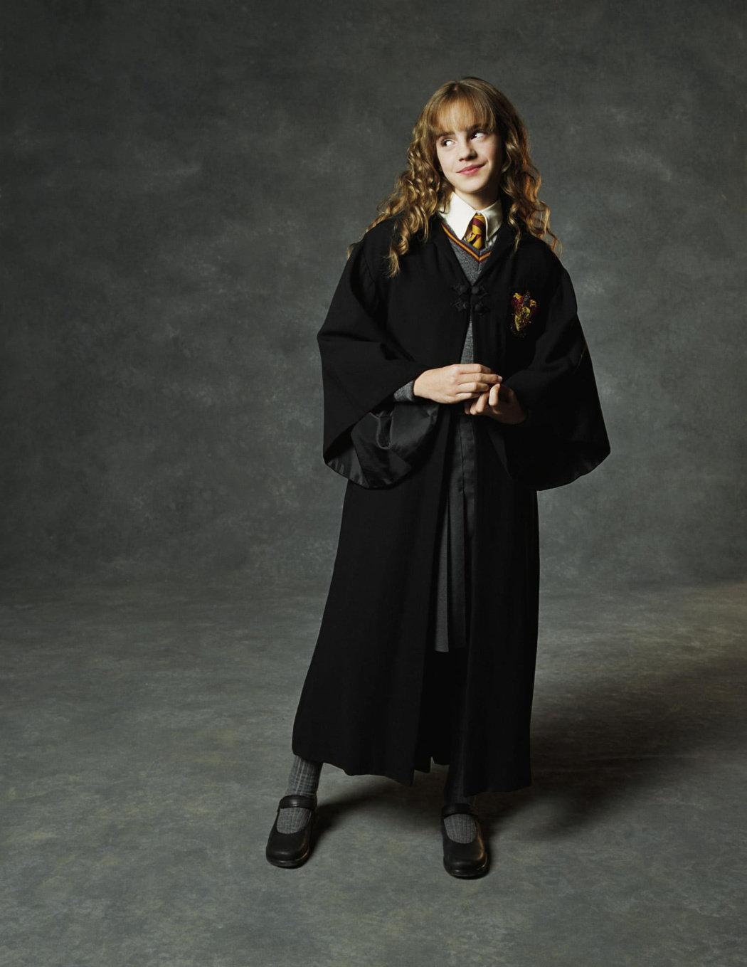 Emma Watson《哈利·波特与密室》电影官方定妆写真