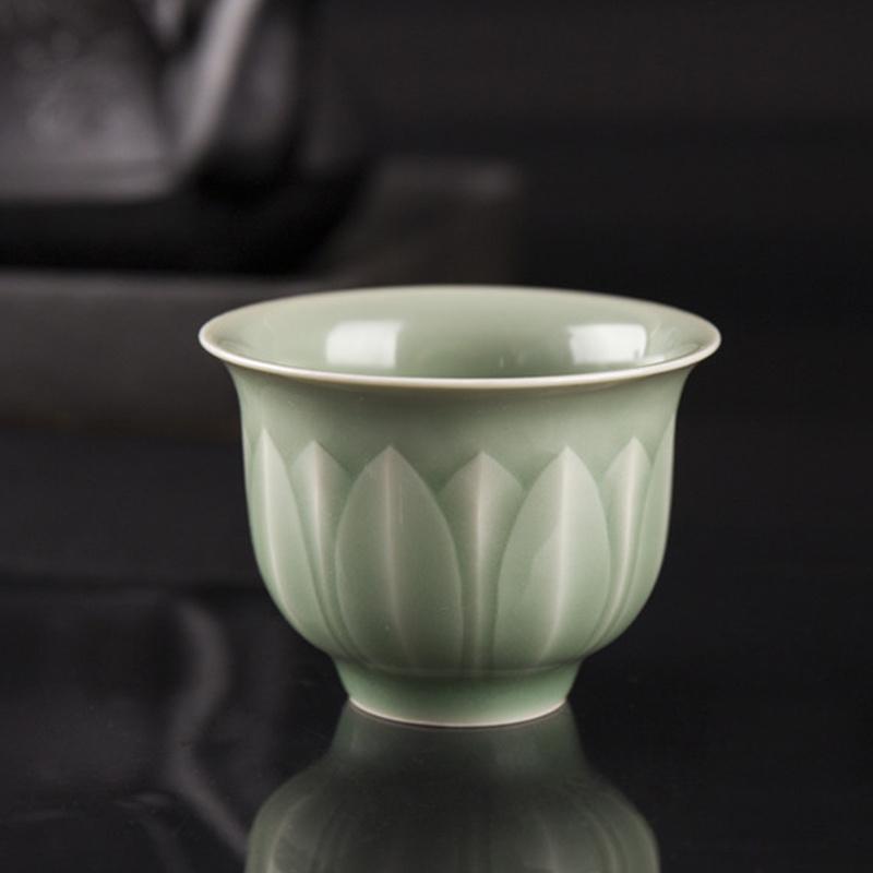 米黄是龙泉青瓷的衍生釉色