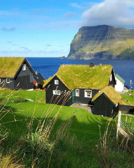 法罗群岛上的可爱小屋子,美得像油画一样。