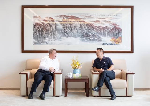 中建集团党组副书记、总经理郑学选拜会广东省委副书记、省长马兴瑞,并调研在穗重点项目