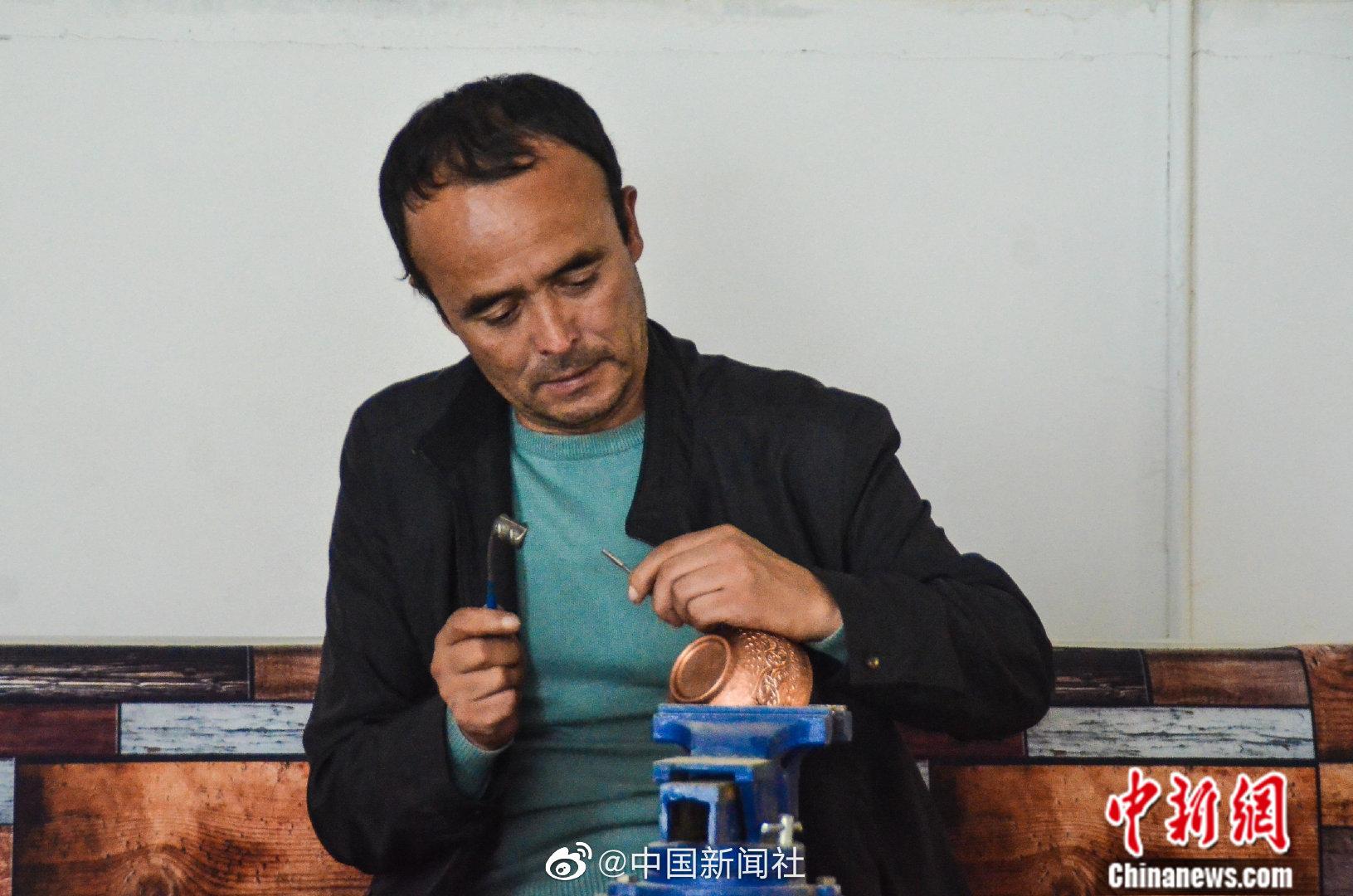 新疆铜器制作技艺助民众增收