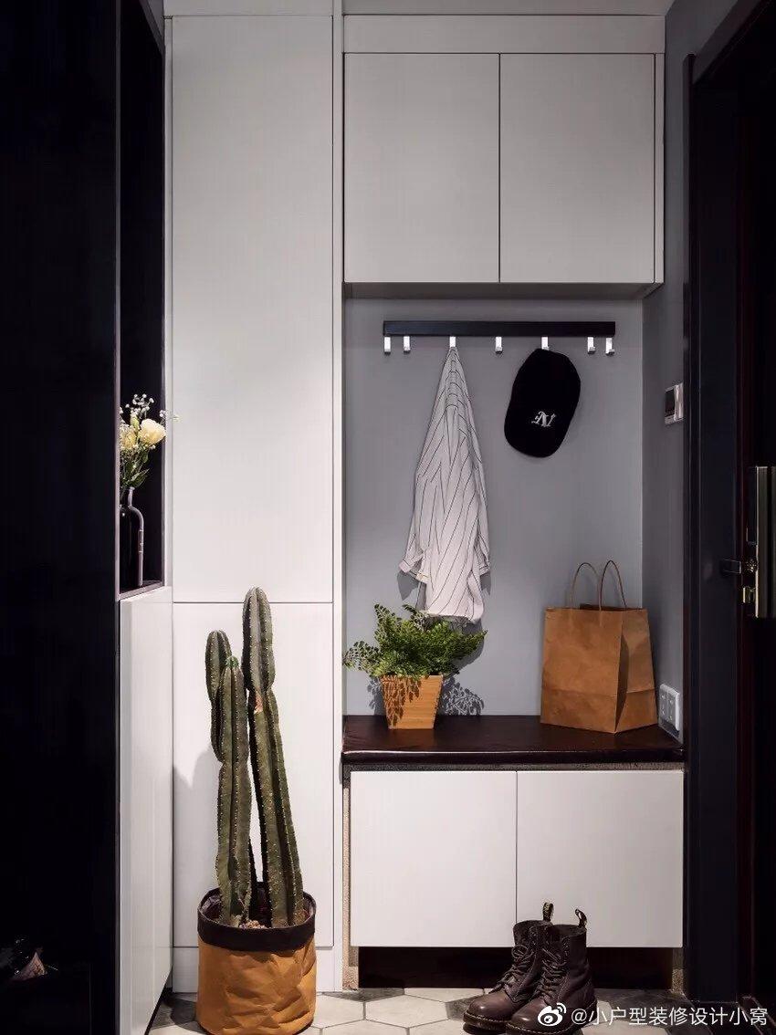 定制鞋柜+换鞋凳组合,方便又实用的入户玄关设计