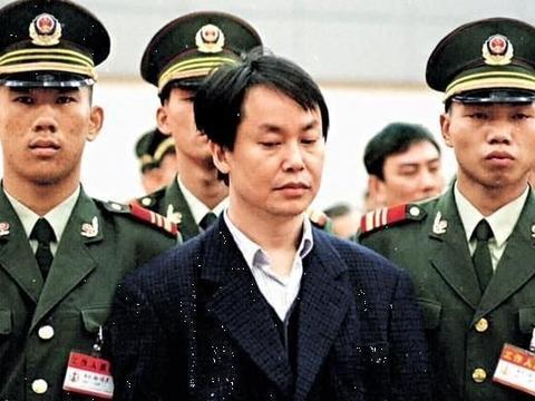 张子强接过8位绑架富豪名单,直接划掉霍英东,并直言此人勿动
