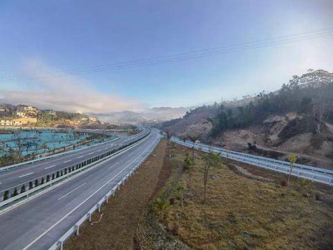 思茅至澜沧高速公路1月20日通车