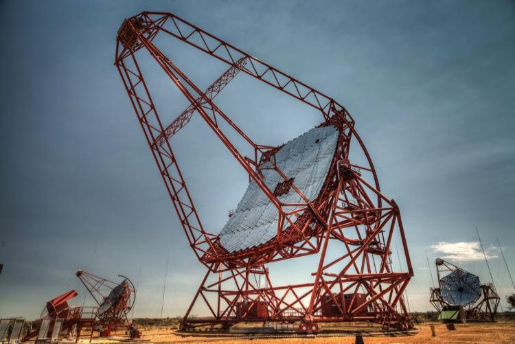 类星体——宇宙最大的粒子加速器