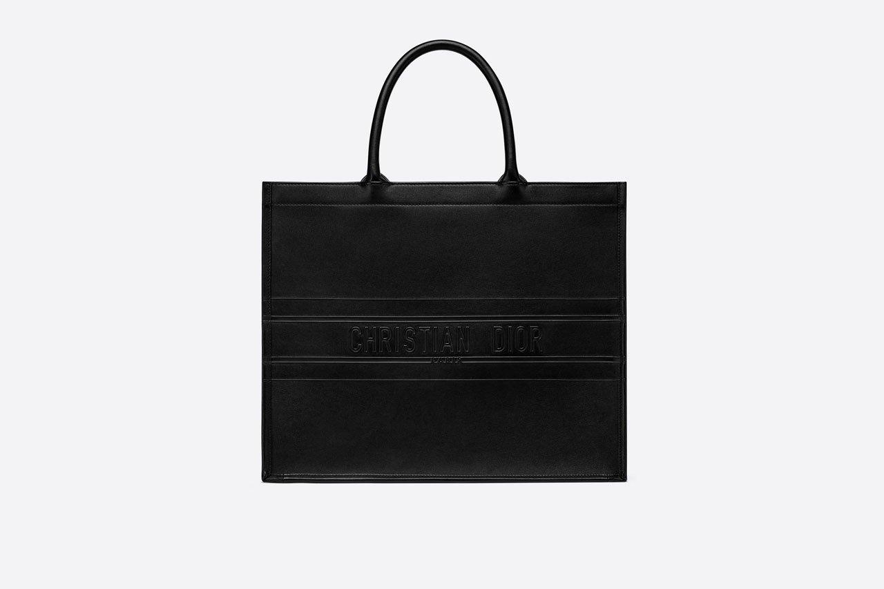 Dior 人气包款 Book Tote 推出全新黑魂版本
