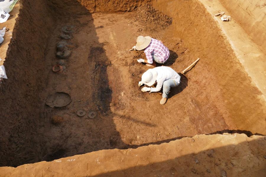 中国西部首支女子考古队:荒野里的巾帼风采