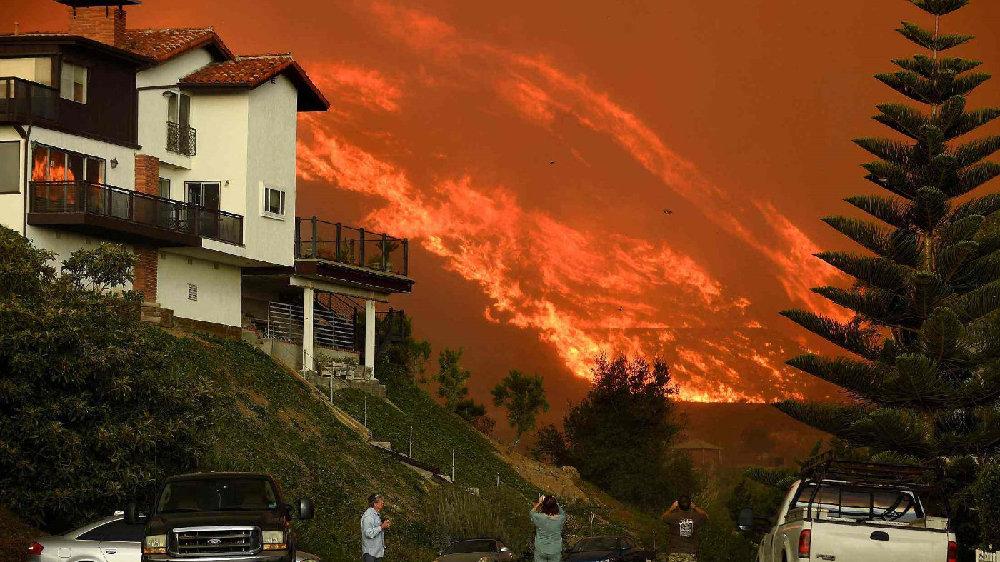 美国的加利福尼亚州,为什么经常会发生大规模山火?