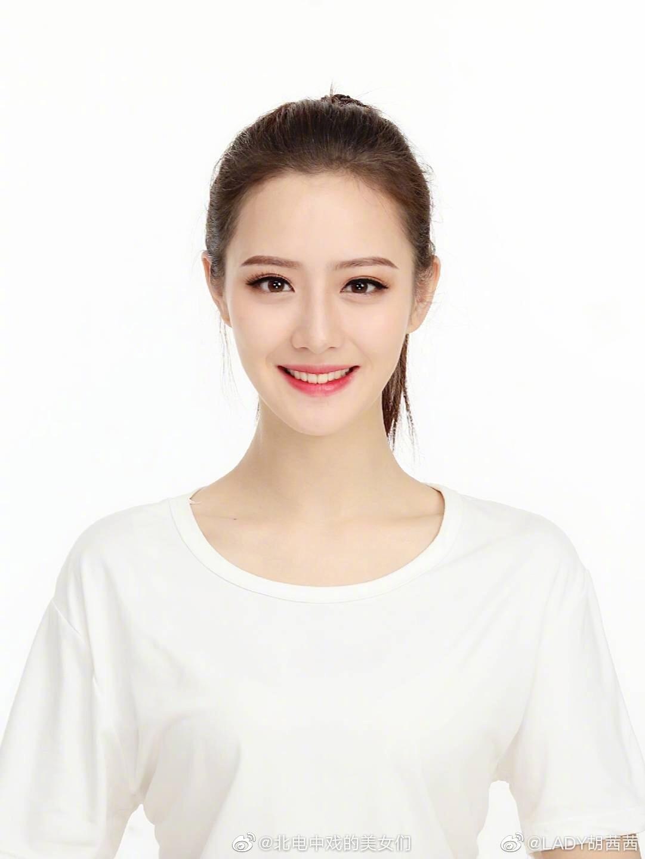 中央戏剧学院2020级表演专业本科 毕业于安徽合肥百花中学北京电影学