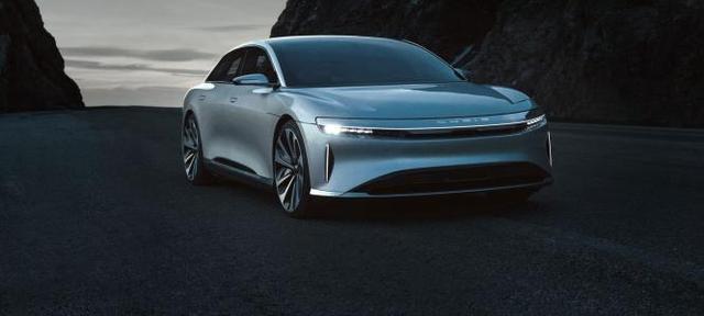 """新车刚预售就敢""""叫嚣""""特斯拉,这品牌到底是啥来头?"""