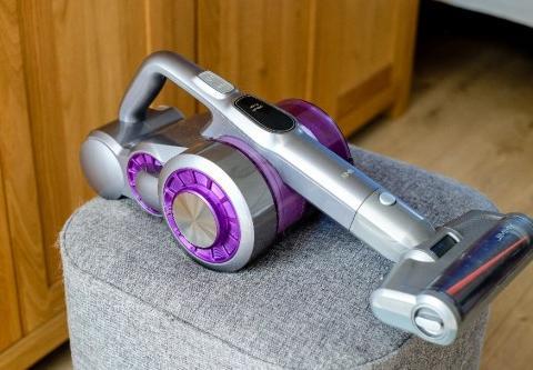 吉米上手把吸尘器减轻家务负担,顺手省力家居清洁不再是苦力活