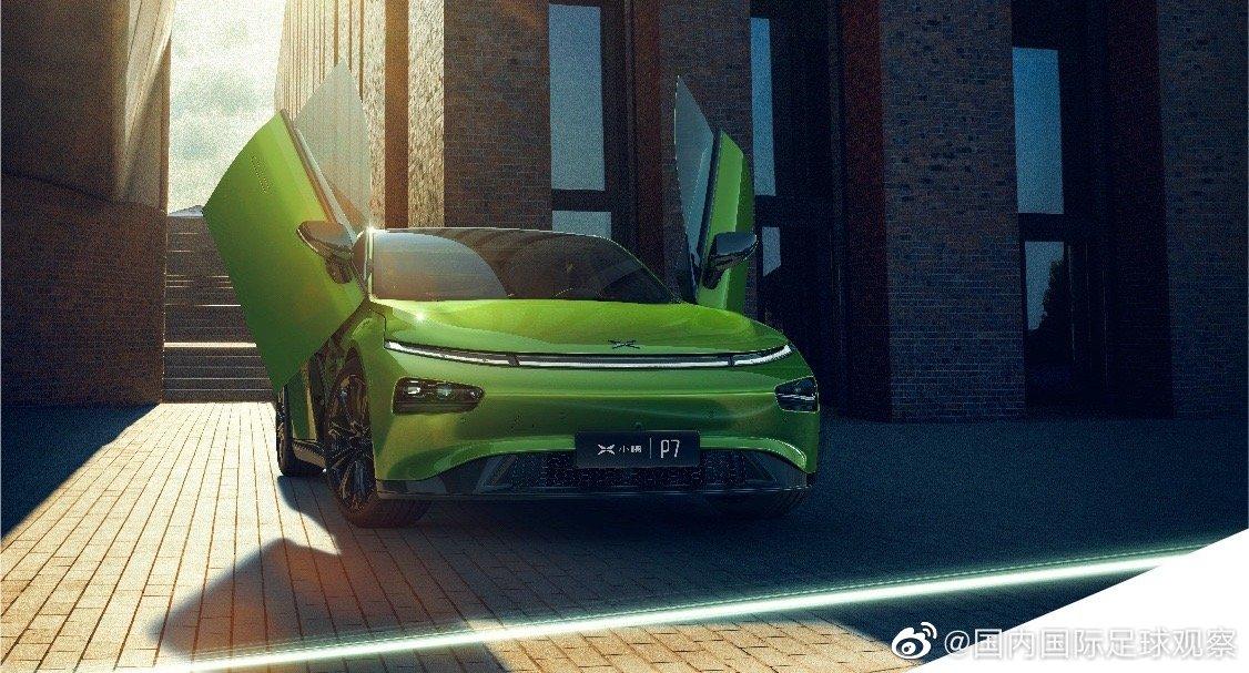 汽车市场似乎被分成了新能源车和燃油车两个领域