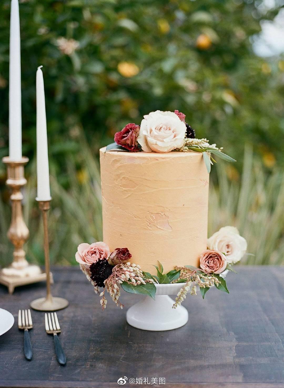 小型婚礼蛋糕,非常适合微型婚礼!