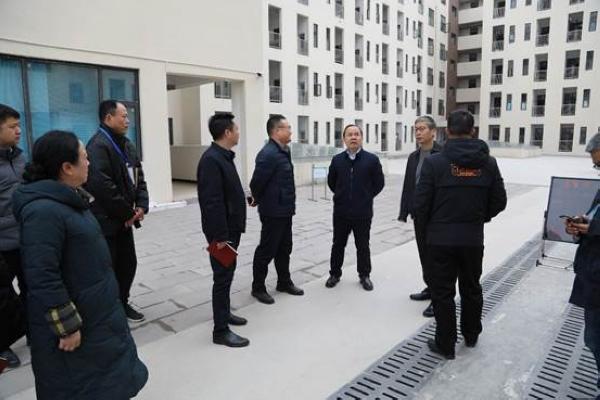 贵阳职业技术学院:刘雁院长带队开展新学期安全巡查