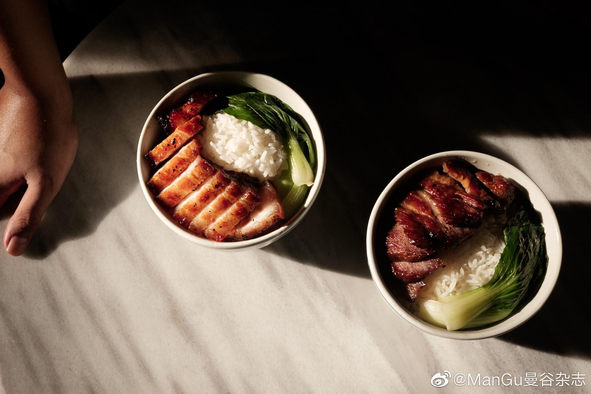 今天曼谷杂志要带大家去一家名叫Kwongcharsiu的餐厅
