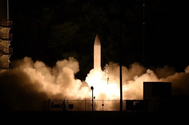 """美陆军打破沉默披露高超音速导弹惊人射程,美媒叫嚣""""中国的噩梦!"""""""