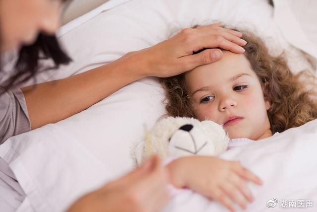 疫情期间,宅在家里也要注意!发热、肿痛的儿童谨防EB病毒感染