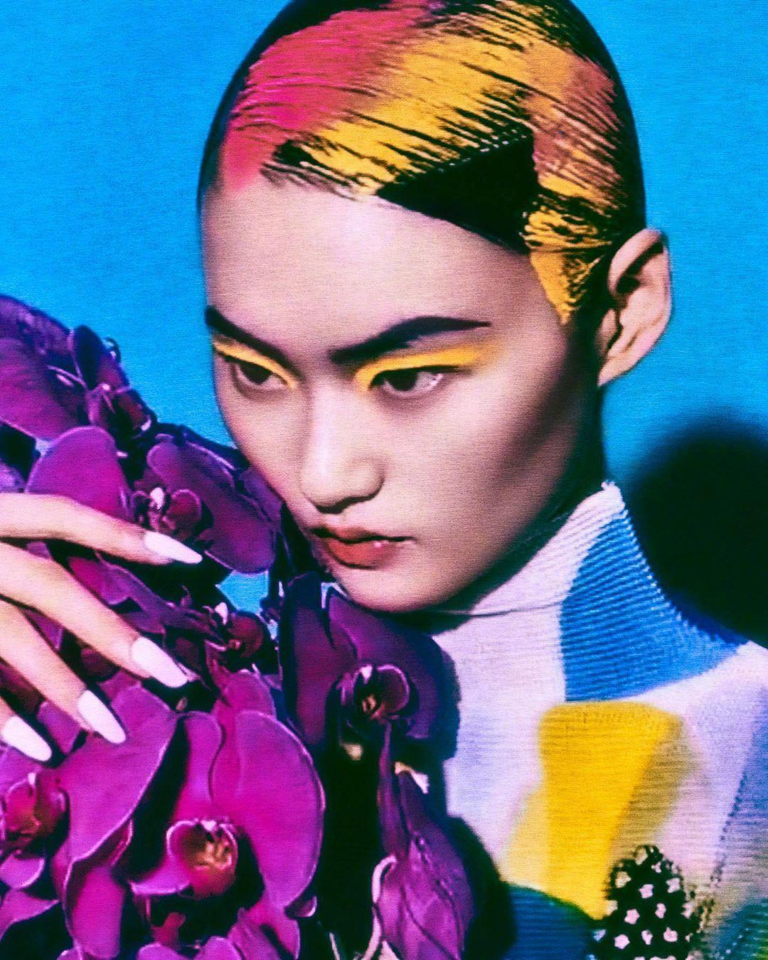 摄影师Elizaveta Porodina镜头里的贺聪 《Vogue服饰与美容》内页大