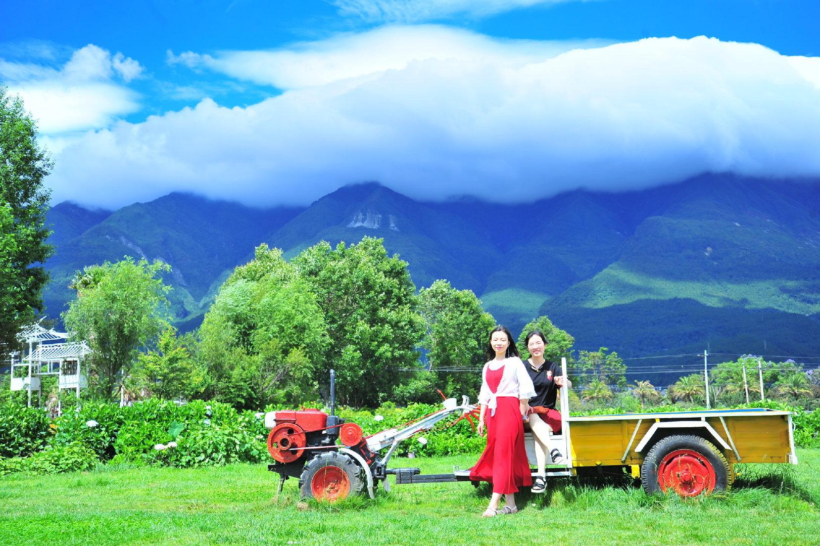 旅途中,邂逅了十月的大理,苍山与洱海,⻛景与美人画面感与故事感