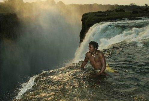 维多利亚瀑布的魔鬼游泳池,世界最可怕游泳池