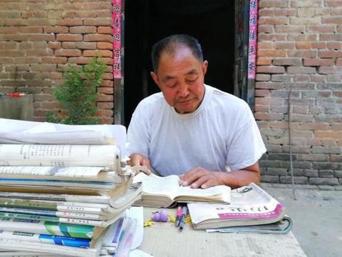 河南71岁老人5次高考终圆梦:打算住校,想继续考硕士