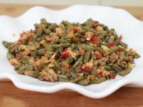肉末炒干豇豆,教你四川地道的家常做法,干香油润,拌啥都香