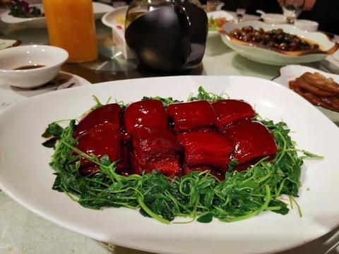 今晚不聊酒,就说人造肉,豆腐肉拼接肉鸭肉变羊肉,傻傻难以分辨