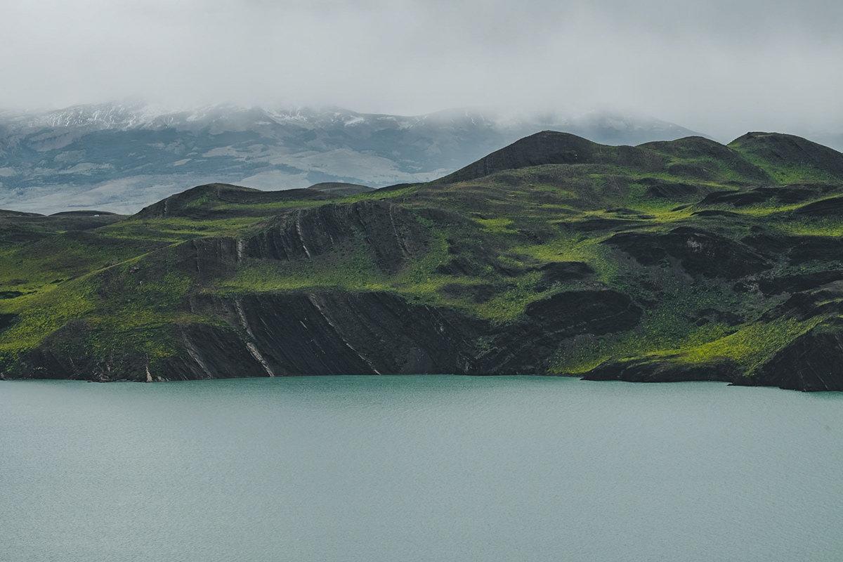 摄影师 Javi 的公路之旅由安第斯山脉往东,穿过巴塔哥尼亚高原