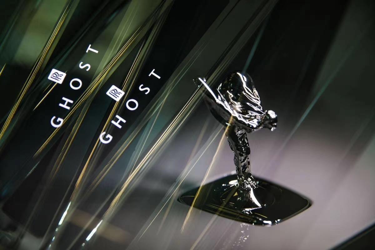 劳斯莱斯新Ghost加长轴距版首秀嘉德艺术中心,太帅了!