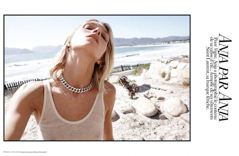安公子Anja Rubik 身穿Saint Laurent 为《 Vogue》巴黎版 2020年7月