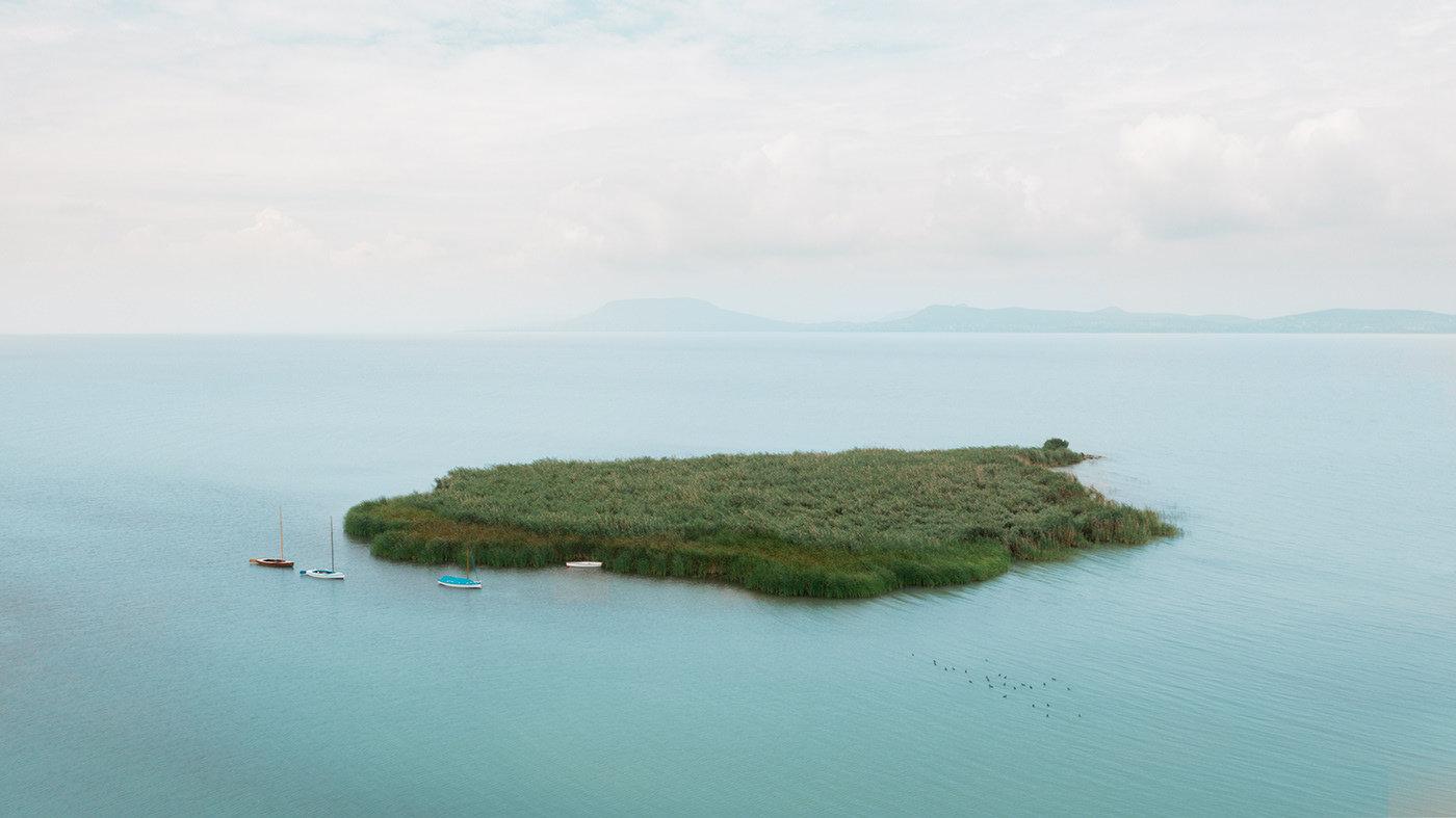 巴拉顿湖是中欧最大的湖泊,对于其所在的内陆国家匈牙利