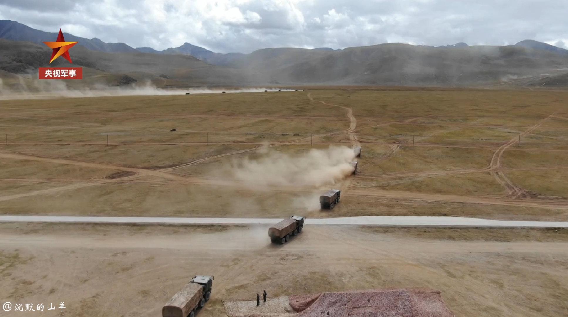 近日,西藏军区青藏兵站部模拟为被保障单位前送热食