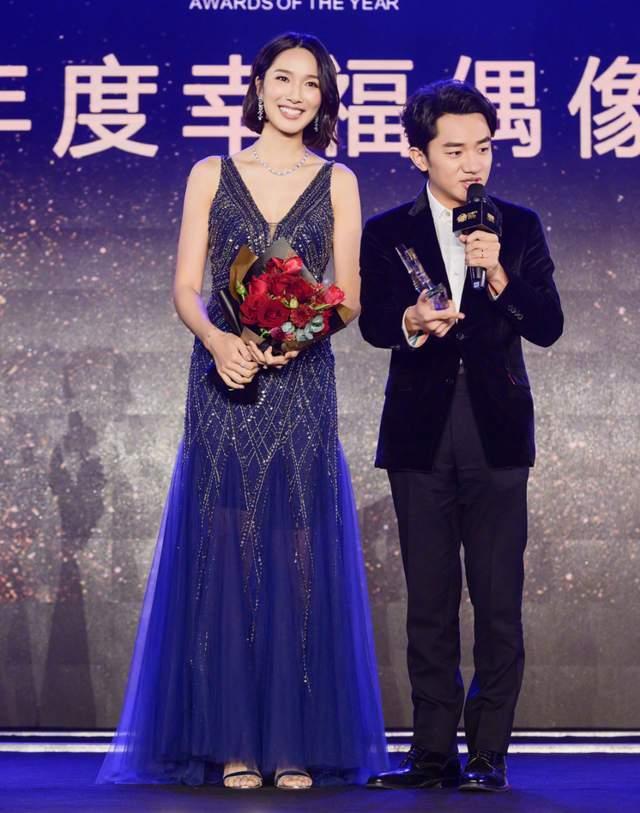 王祖蓝基因太强大,两个女儿外表都像爸爸,幸好身高随妈妈李亚男