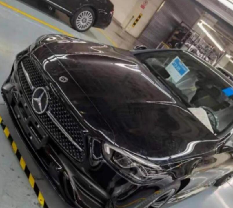 奔驰全新C级国产版实拍曝光 或于9月开启预售