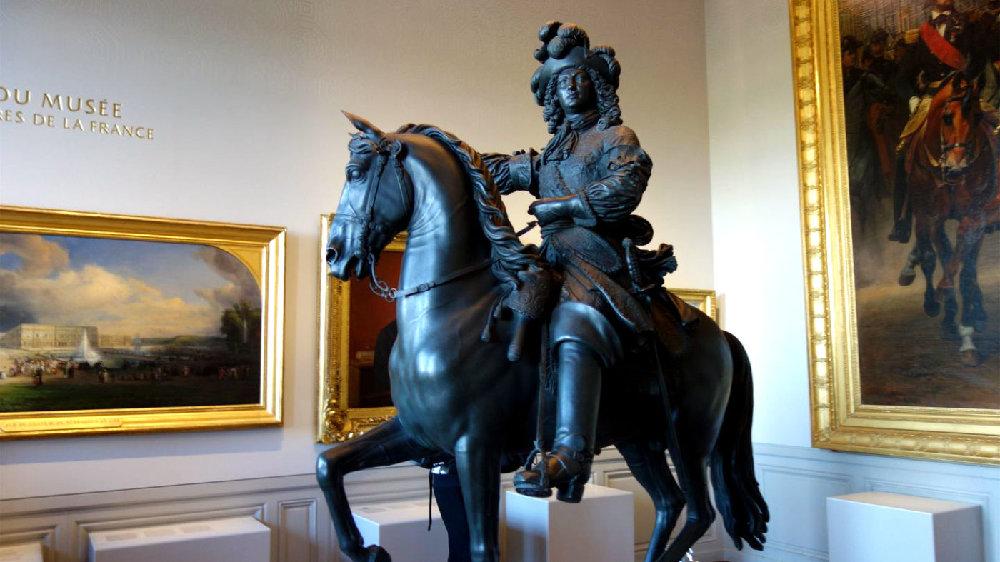 参观凡尔赛宫的必经之路,记录了王室生活和能工巧匠的肖像画作