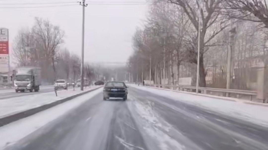 大风降雪天气驾车骑车步行安全第一