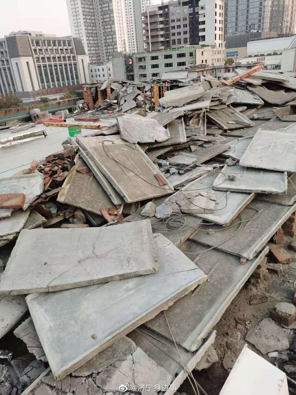 老旧小区改造将楼顶防水层破坏 部门:责令限期整改