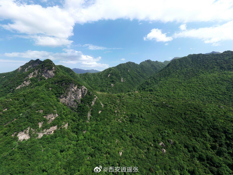 甘湫池是翠华山景区内山崩堰塞湖之一,海拔1730米