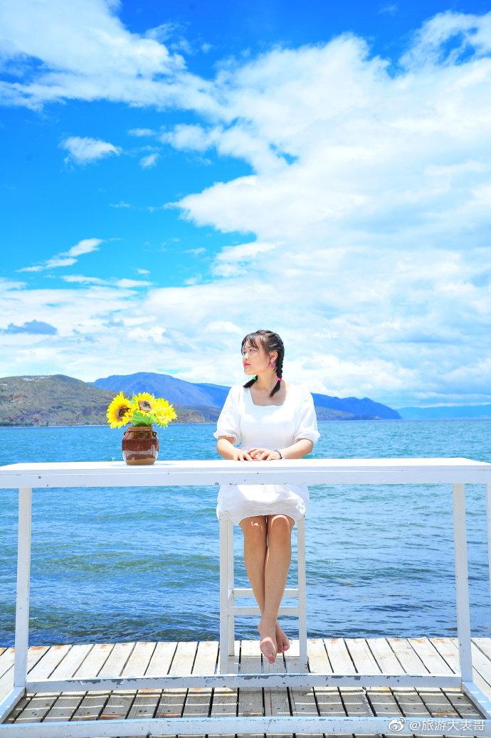 丽江古城的一米阳光,泸沽湖上的朵朵白云,洱海边的春风十里