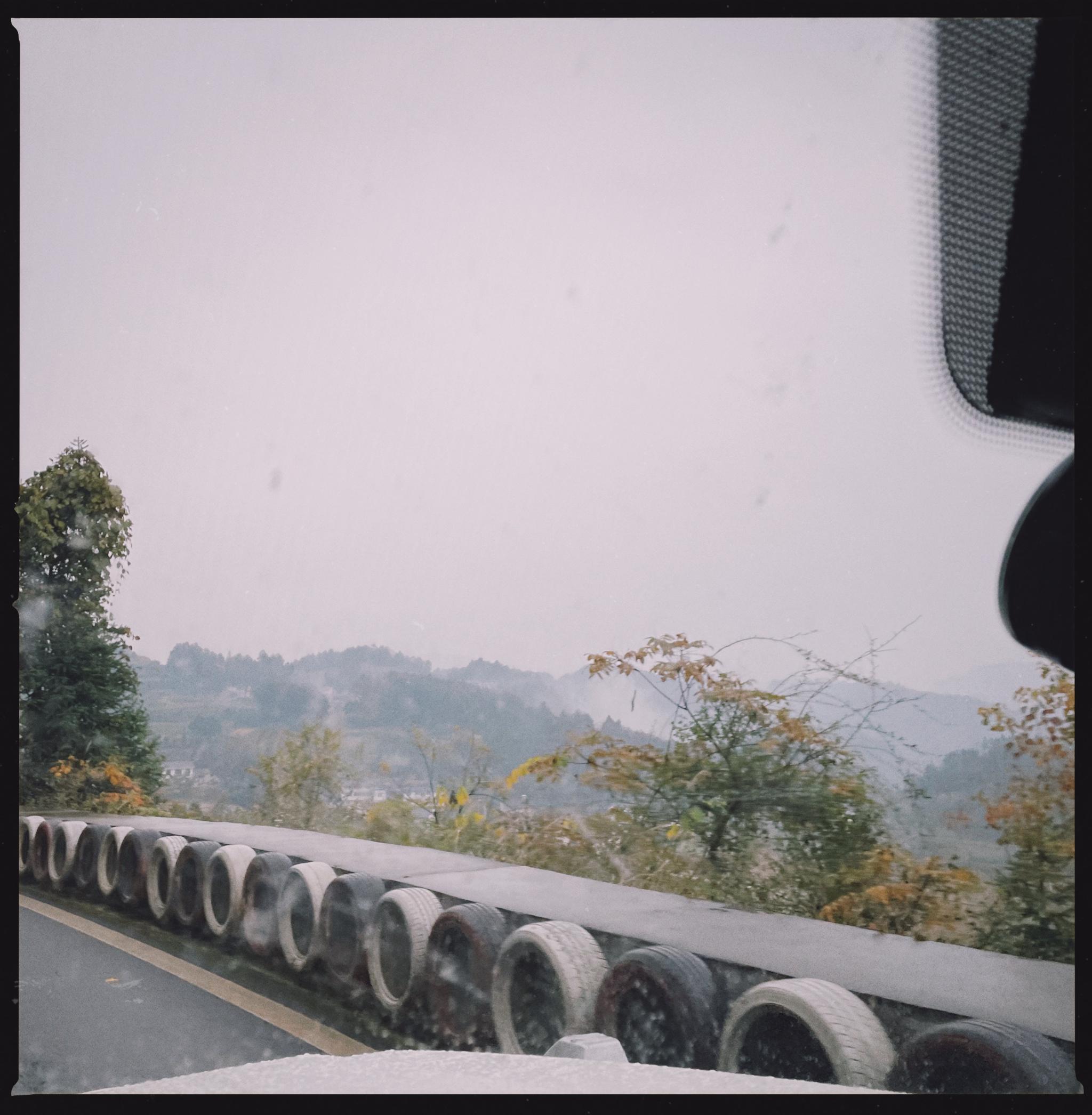 恩施梭布垭石林景区-重庆西郊雅社500km,7h